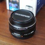 オリンパスの単焦点レンズ「M.ZUIKO DIGITAL 17mm F1.8」はホテルブロガーの必需品
